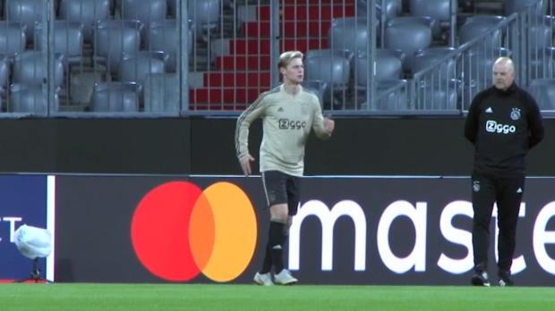 Ajax - Les fans s'expriment sur le départ de Frenkie de Jong au Barça
