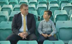 Ange Postecoglou lets Yoshi know about the Mariners' history of producing Socceroos.