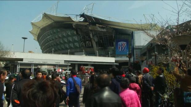 CSL: Tevez-Stadion in Shanghai in Flammen