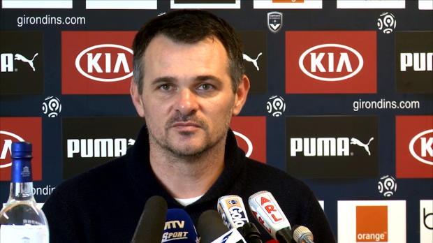 En conférence de presse, l'entraîneur des Girondins de Bordeaux a tenu à rendre hommage au jeune retraité, Eric Abidal, qu'il a cotoyé en sélection nationale.