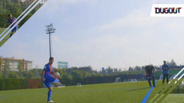 Suarez und Co.: Ballannahme-Challenge