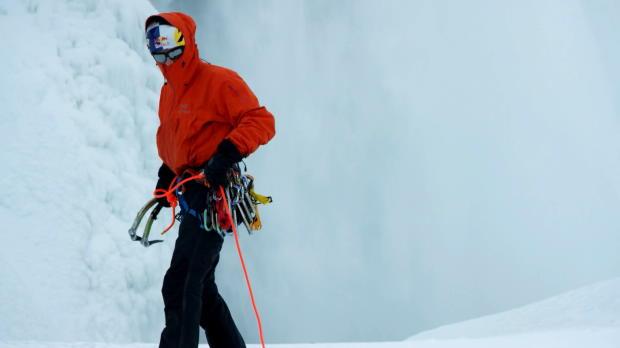 Le Canadien Will Gadd et sa compatriote Sarah Hueniken, ont marqué l'histoire le 27 janvier 2015, en devenant les premiers à escalader les chutes du Niagara gelées, dans un décor à couper le souffle.