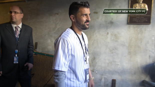 David Villa, pícher improvisado de los Yankees
