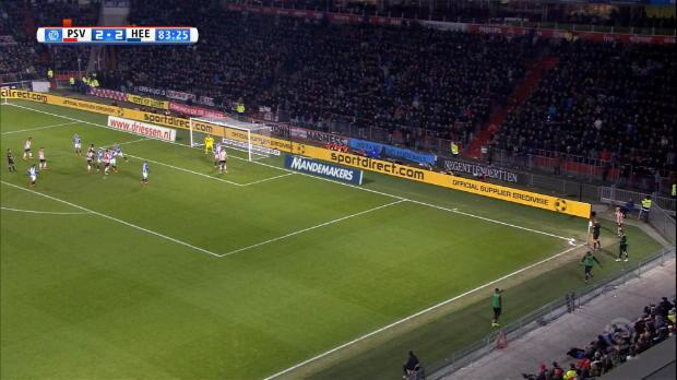 Heerenveen-Keeper Hansen mit Mega-Parade