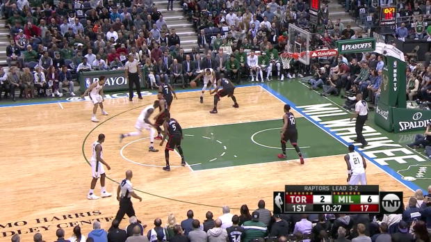 WSC: Head-to-head:More than 20 points of Giannis Antetokounmpo, DeMar DeRozan in Milwaukee Bucks vs. the Raptors, 4/27/2017
