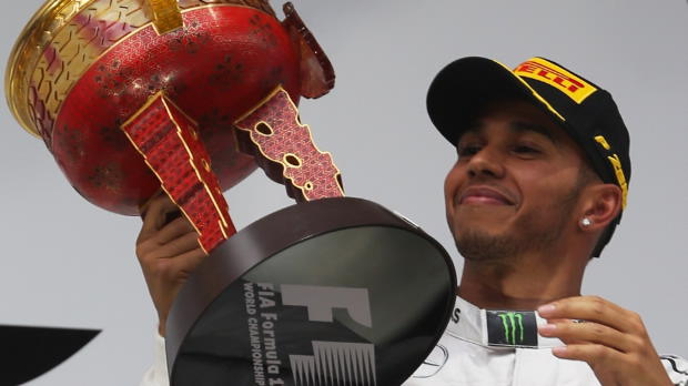Dominant Hamilton smashes competition in China