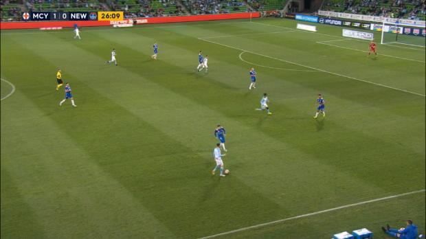 A-League: Rekordstürmer mit Sahne-Volley