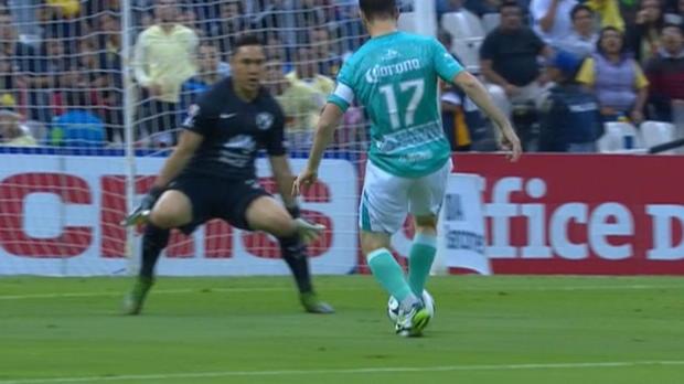 Liga MX: Schlitzohr-Lopp von Luca-Toni-Kumpel
