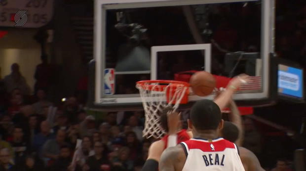Block of the Night: Jusuf Nurkic