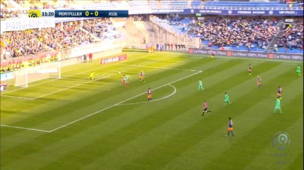 لقطة: كرة قدم: موني-باكيت يسجل هدفاً رائعاً في مرمى مونبيليه