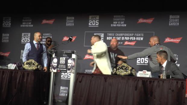 UFC: Stuhl-Attacke! McGregor rastet aus