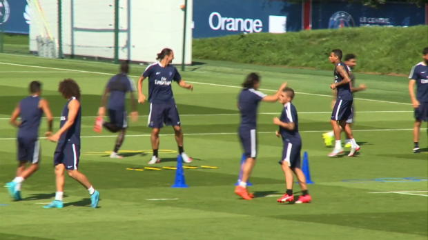 4e j. - Blanc - 'Zlatan est apte � jouer '