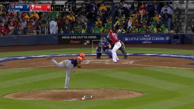 Syndergaard shows fan curveball