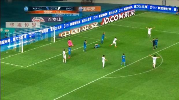 لقطة: كرة قدم: عدم احتساب هدف تيفيز وإنهاء شنغهاي اللقاء بدون أهداف