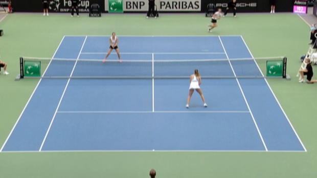 Fed Cup: Kerbers Tank leer, Damen verlieren