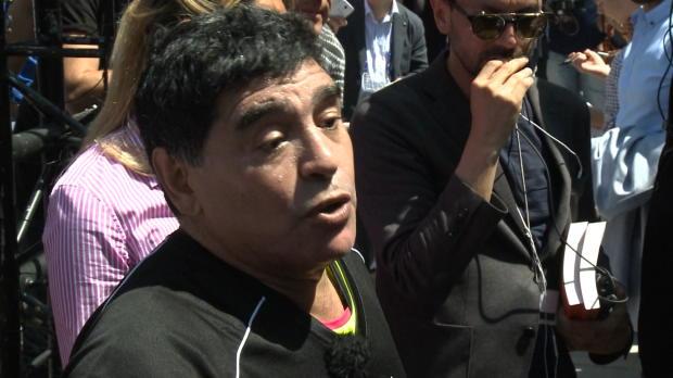 """Maradona lobt Erzfeind: """"Wir alle lieben Pele"""""""