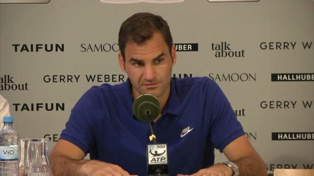 """Halle: Federer-Spaß: """"Hatte gute Kindheit"""""""