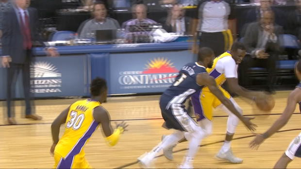 Dunk of the Night: Julius Randle