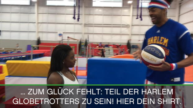 Olympiasiegerin besucht Harlem Globetrotters
