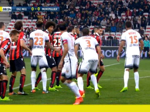 لقطة: كرة قدم: هشاشة دفاعات نيس تمنح مونبيليه هدف السبق