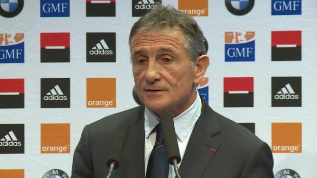 XV de France - Nov�s justifie le choix Vakatawa