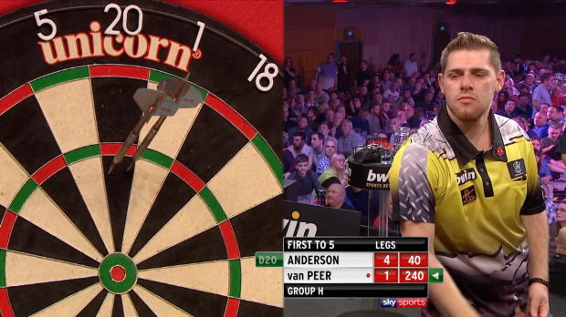 Darts: Berry van Peer weint in Schlussphase