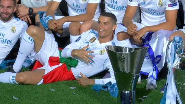 Ronaldo celebrates Real's Champions League win despite transfer speculation Thumbnail