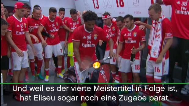 Benficas Meistermannschaft wird zur Moped-Gang