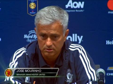 كرة قدم: الدوري الانكليزي: مورينيو يأسف لكون المنافسة مع غوارديولا أقل حدّية