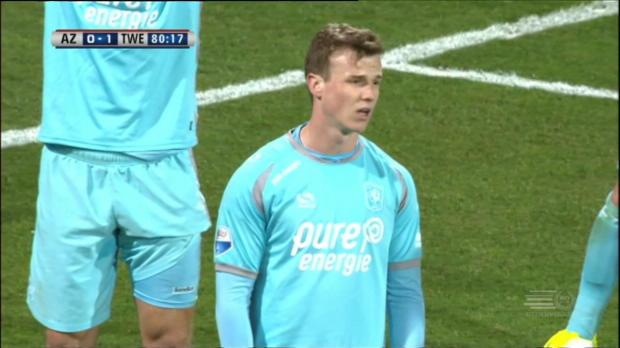 Kurioses Eigentor kostet Twente den Sieg