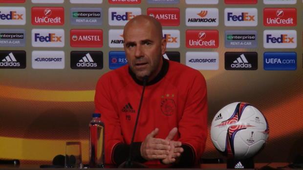 Bosz (Ajax) ofrece sus condolencias a las víctimas de Manchester