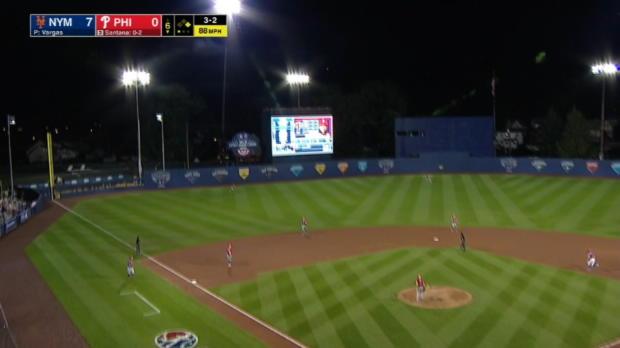 Santana's 2-run home run