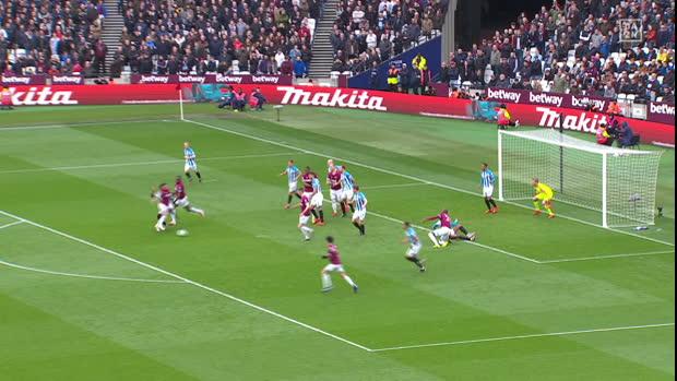 Premier League: West Ham United - Huddersfield   DAZN Highlights