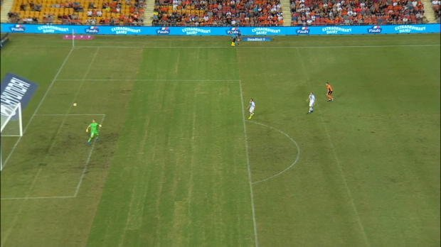 Maclaren scores spectacular half-volley for Brisbane