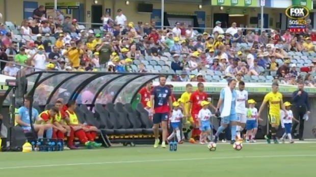 Mariners v Adelaide highlights