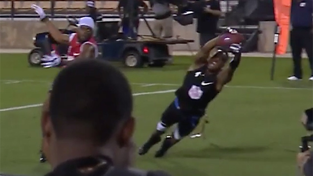 Jahvid Best makes crazy diving touchdown catch for team Godspeed