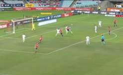 Wanderers frustrated by 10-man Victory