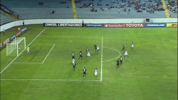 Copa Libertadores: Traum-Volley zum Einstand