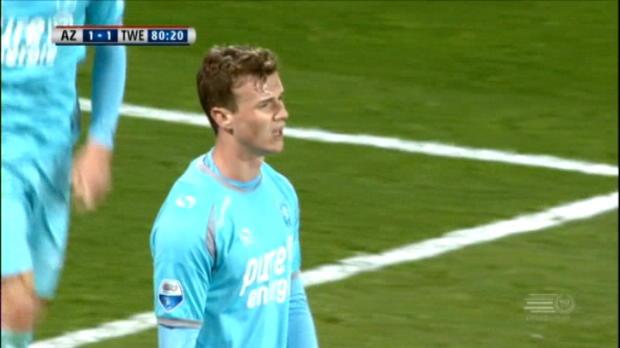 لقطة: كرة قدم: بيجن يخطف هدفا رأسيّا أنيقا.. وإنّما في مرمى فريقه توينتي