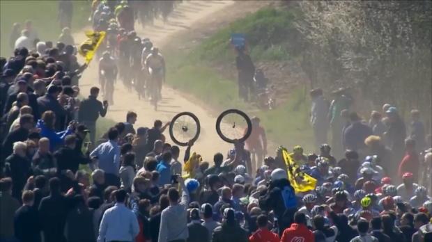 Paris-Roubaix: Zug-Schreck bei Degenkolb-Sieg
