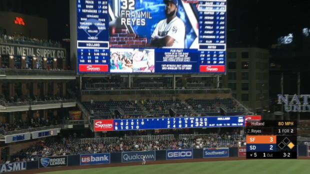 Reyes' 2-run home run