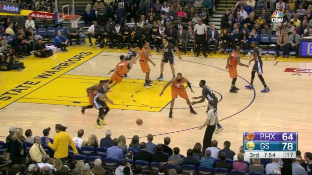 WSC: Steph Curry gets to 20 points in 3rd quarter