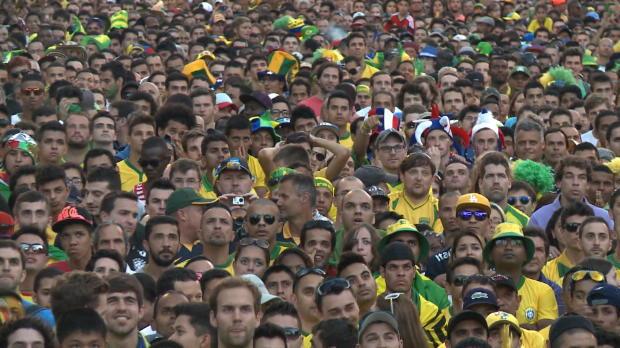 Brasil 2014 - Los aficionados brasileños disfrutan con la victoria ante Croacia