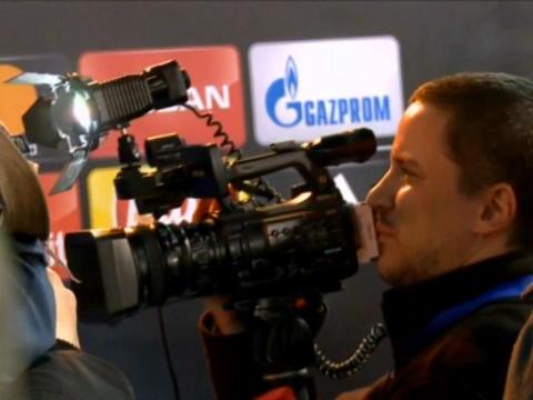 لقطة: كرة قدم: رونالدو وراموس عبرا منطقة الصحفيّين دون الإدلاء بتصريح