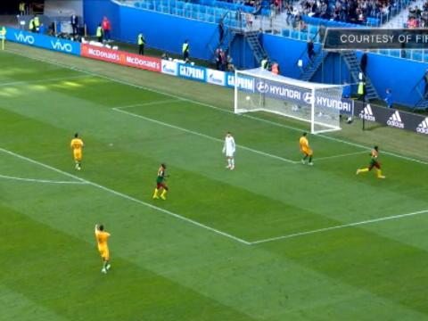 لقطة: كأس القارات: أنغويسا يمنح الكاميرون الأسبقيّة أمام أستراليا