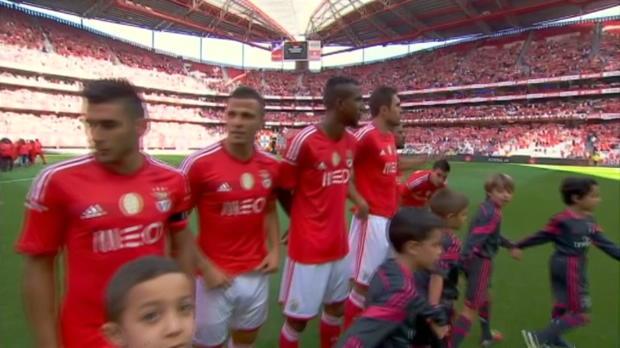 Mené jusqu'à la 69e, Benfica a profité de sa supériorité numérique pour disposer du promu Moreirense dimanche (3-1). Le champion sortant est seul en tête du championnat.
