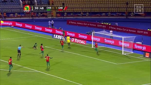Kameruns Bassogog trifft das leere Tor nicht | Africa Cup