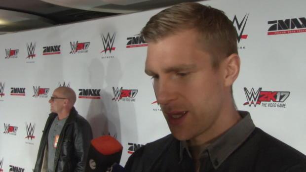 """WWE: Mertesacker: Wiese? """"Typ der Extreme!"""""""