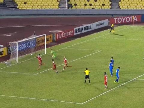 لقطة: كرة قدم: سوريا تفوز ضمن تصفيات كأس العالم بفضل ركلة جزاء فريدة