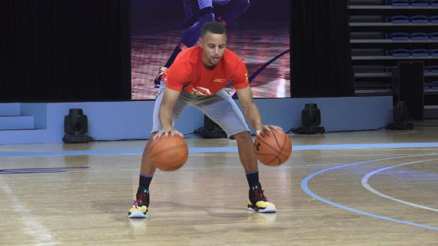 Basket : NBA - NBA - Curry fait le show en Chine